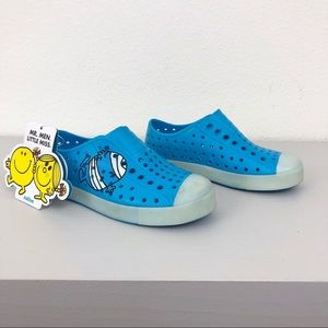 NWT Native Sanrio Jefferson Glow in the Dark Shoes